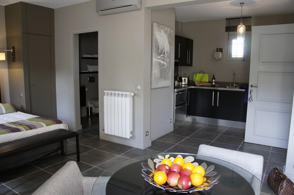 la startup up est pr sente dans 13 wilayas propose des locations courtes. Black Bedroom Furniture Sets. Home Design Ideas