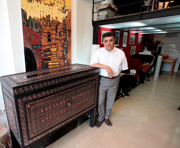 Samir Hamiane designer-céramiste: « L\'artisanat algérien gagnerait à ...